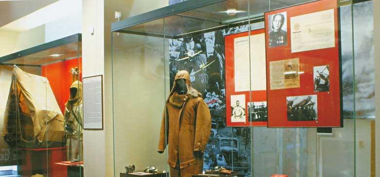 Сайт -Молодая Гвардия- Центральный музей Великой ...: http://www.molodguard.ru/museum2-18.htm