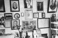 В доме N17 по улице Лютикова, где жил Иван Земнухов - специальная команата героя